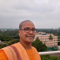 Swami Purnamayananda